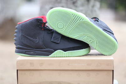 Super Max Perfect Air Yeezy 2 Black Solar Red Final Version With Roma II AYCL000583
