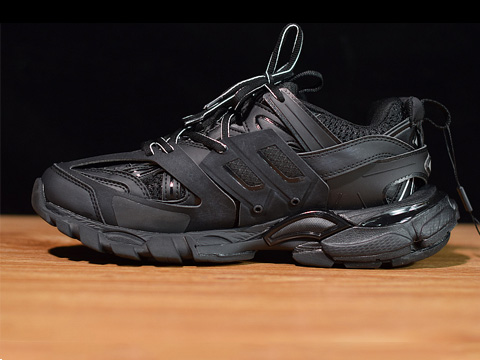 Balenciaga Track Trainer All Black Tess s Gomma Trek Released